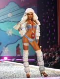 th_95701_Victoria_Secret_Celebrity_City_2007_FS355_123_1010lo.JPG