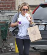 http://img166.imagevenue.com/loc13/th_940036543_Amanda_Bynes_at_Coffee_Bean_in_Beverly_Hills2_122_13lo.jpg