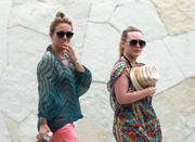 http://img166.imagevenue.com/loc177/th_814337962_Hilary_Duff_enjoing_family_vacation11_122_177lo.jpg