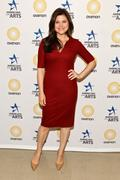 http://img166.imagevenue.com/loc453/th_679274387_Tiffani_Thiessen___The_Americans_For_The_Arts_25th_Annual_Lecture3_122_453lo.jpg