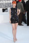http://img166.imagevenue.com/loc6/th_81449_Hayley_Williams_2010_MTV_Video_Music_Awards3_122_6lo.jpg